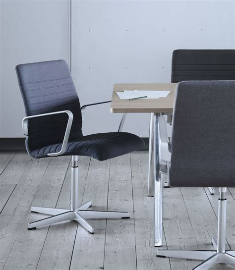 oxford chair by republic of fritz hansen archipanic
