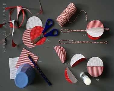 deco boule de noel a fabriquer diy d 233 co fabriquer des boules de no 235 l rouges et blanches