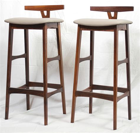 Umanoff Bar Stools by Mid Century Modern Bar Stools Modern White Kitchen With