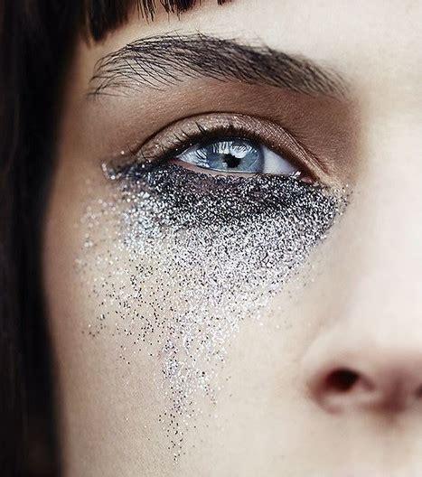 Teinture des sourcils pour un regard flamboyant viehealthy