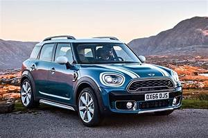 Mini Countryman S : 2017 mini countryman cooper s all4 front three quarter 20 motortrend ~ Melissatoandfro.com Idées de Décoration