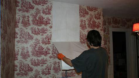 easily remove wallpaper  vinegar  hot water