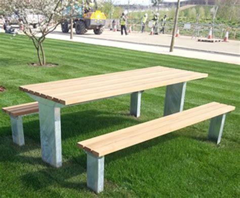 external furniture  queen elizabeth olympic park