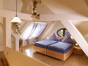 Zimmer Mit Schrägen : hotel am eck ~ Lizthompson.info Haus und Dekorationen