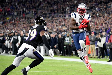 mohamed sanu making instant impact  patriots offense