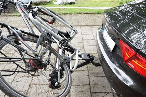 e bike fahrradträger atera strada e bike m im test sehr gut fahrradtr 228 ger