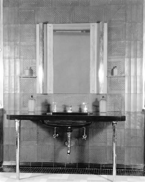 Youth Bathroom Decor by 44 Best 1920s Bathroom Images On 1920s
