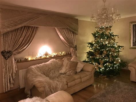Christmas Curtains and Decor Inspiration - Handmade by Maria