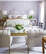 This Lilac And White Bedroom Was Inspired By Canada S Northern Light Aprende A Combinar Colores Para Pintar Paredes Pintura Decora Purple Bedroom Decorating Ideas Interior Design Beautiful Color Scheme In Purple Grey And Yellow Interior Design