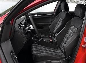 Nettoyage Siège Auto Tissu : comment nettoyer les si ges en tissu de la voiture ~ Mglfilm.com Idées de Décoration