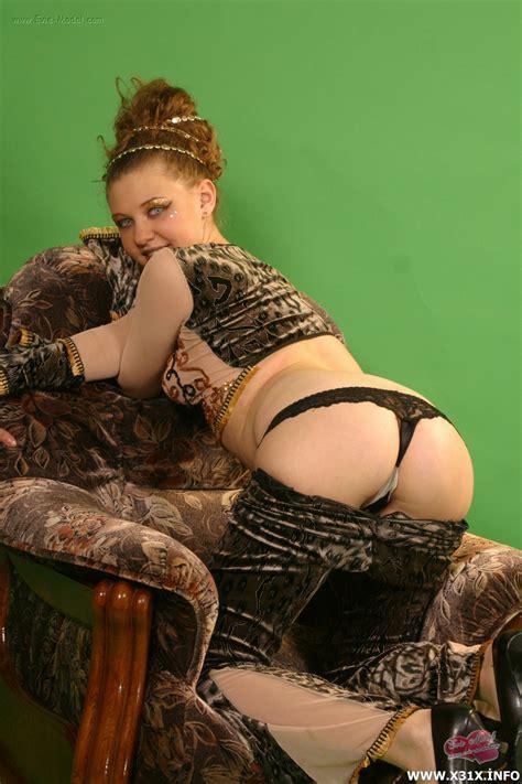 Apachan Ru Nude Girl