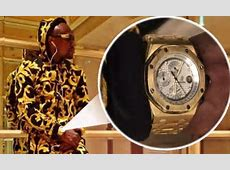 Floyd Mayweather shows off his new flashy watch on Twitter