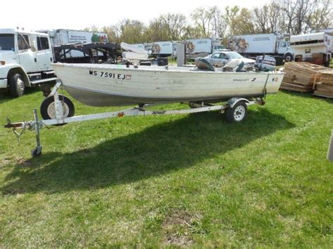 Aluminum Boat With Front R by 1981 Starcraft 16ft Aluminum Fishing Boat With Evinrude