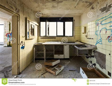 vieille cuisine vieille cuisine détruite photos libres de droits image