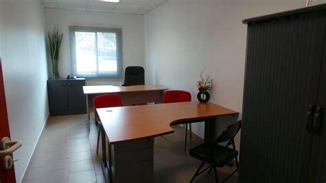location mobilier bureau location de bureau en zone franche avec mobilier équipé