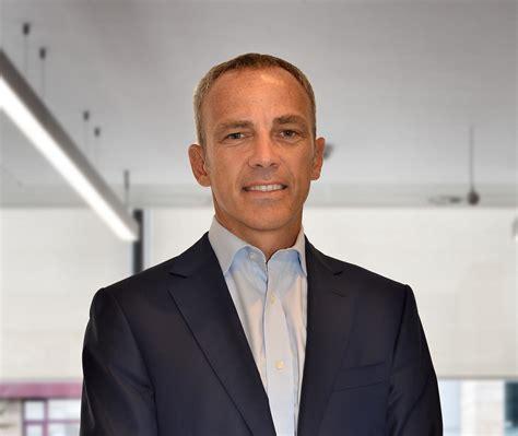 Paolo ferrari is president, ceo & coo of bridgestone americas, a subsidiary of world's largest tire and rubber company bridgestone corporation. Paolo Ferrari wechselt zum Weltmarktführer