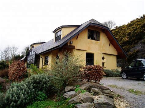 Haus Aus Strohballen by Kuća Od Slame Koju Ne Možete Oduvati