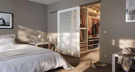dressing moderne chambre des parent déco chambre 10 dressing futés dans la chambre parentale
