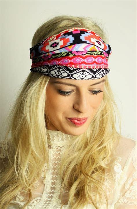 hippie frisur mit haarband haarband mit aztekenmuster the wrap haarband headband bandana hippie boho ethno