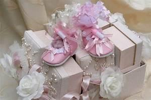 Decoration Pour Bapteme Fille : the shopping online photo deco bapteme decoration table en rose et blanc bapteme fillette ~ Mglfilm.com Idées de Décoration