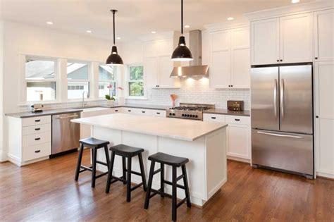 faire sa cuisine sur mesure cuisine sur mesure bien choisir coûts matériaux