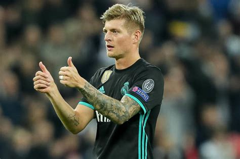 man utd news psg ready  battle  real madrid star
