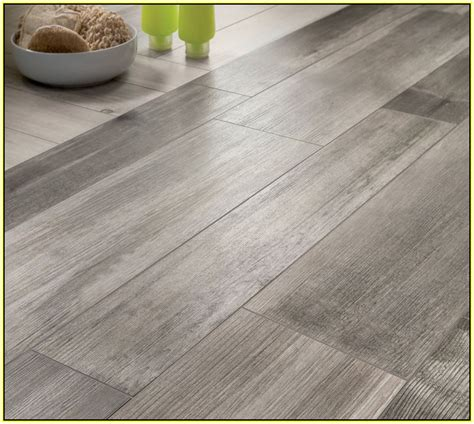 wood look alike tiles wood look ceramic tile bathroom peenmedia com