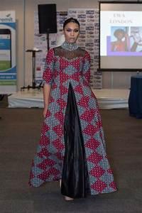 Tenue Femme Pour Bapteme : 50 tenues en pagne pour hommes femmes et enfants wakanda inspired fashion pinterest ~ Melissatoandfro.com Idées de Décoration