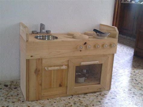 una cocina de juguete  madera reciclada baby fender
