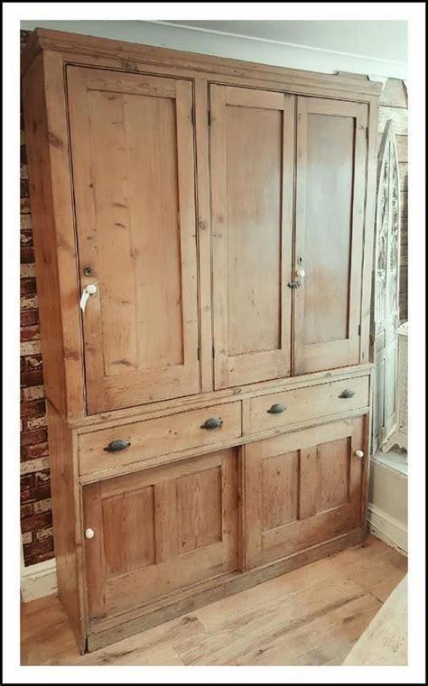 antique furniture dealers   retro armchairs