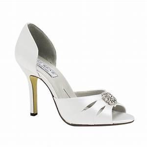 White Wedding Shoes Wedding Shoes Blog