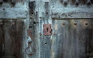 Download wallpaper door, castle, macro free desktop ...
