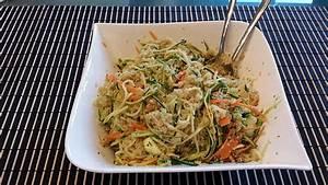 Salat Mit Zucchini : quinoa salat mit m hre und zucchini von amarna ~ Lizthompson.info Haus und Dekorationen