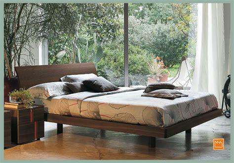 letti legno grezzo letti matrimoniali in legno grezzo testata letto in legno