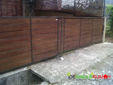 desain pagar minimalis murah  fiber teksture kayu