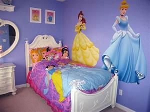 Deco Chambre Fille Princesse : d coration d 39 une chambre de petite princesse ~ Teatrodelosmanantiales.com Idées de Décoration