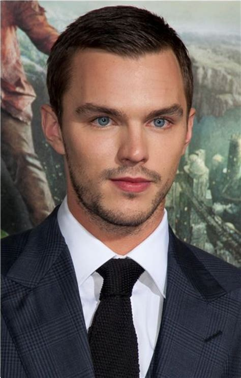 nicholas hoult age weight height measurements