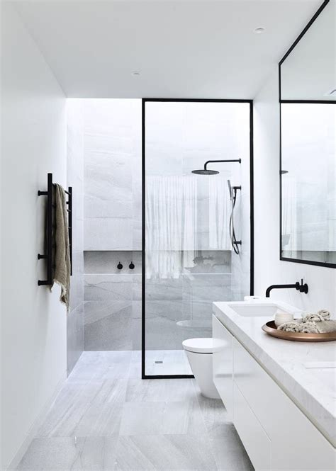 bathing beauties  worlds  luxurious showers