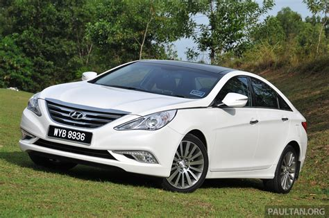 2015 Hyundai Sonata shows its new face in leaked pix Image ...