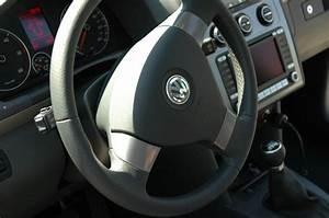Volant Golf 3 : inserts alu sur le volant multifonction page 4 touranpassion ~ Carolinahurricanesstore.com Idées de Décoration