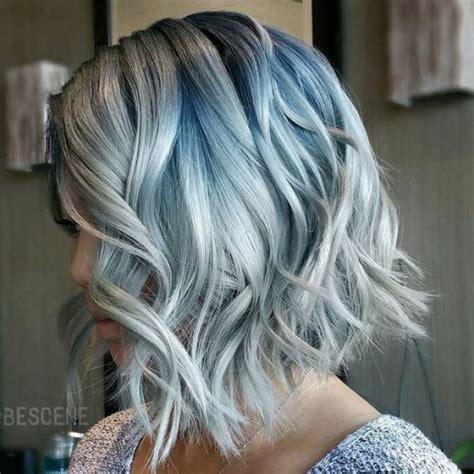 cheveux gris la tendance qui marquera  coiffure