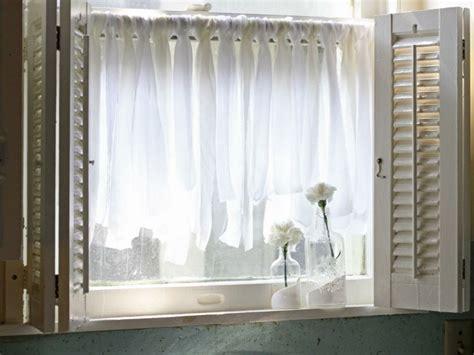 voilage fenetre chambre rideau fenêtre habillage de fenêtre selon les pièces