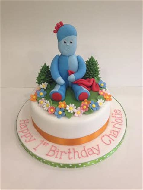 night garden birthday cake cakes  robin