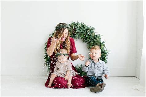 christmas mini sessions utah photographer  poulsen