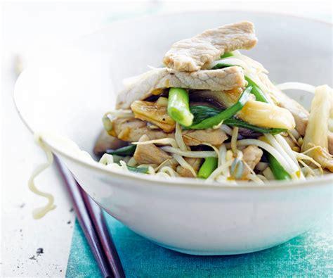 cuisiner les pousses de soja une recette saine et délicieuse de wok au porc et aux