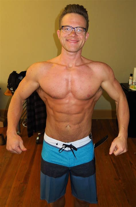 I'm 4 Weeks Out from my first Men's Physique show... : bodybuilding