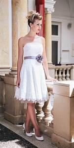 Brautkleid Mit Farbe : brautkleid petticoat unsere katy stimmig mit petticoat seideng rtel und brutbl te in der ~ Frokenaadalensverden.com Haus und Dekorationen