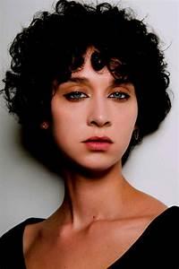 Coupe Courte Bouclée : photos de coupe courte femme moderne 2019 tendance coiffure ~ Farleysfitness.com Idées de Décoration
