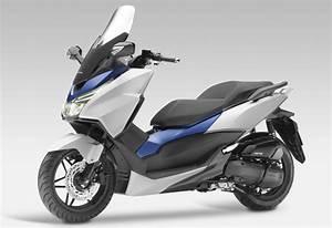 Scooter Forza 125 : honda forza 125 le x max en ligne de mire ~ Medecine-chirurgie-esthetiques.com Avis de Voitures