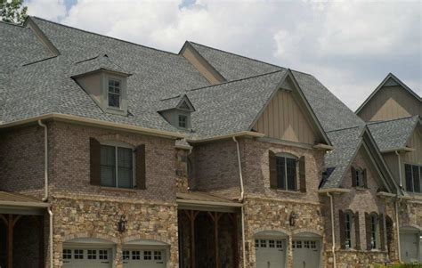 Pinnacle® Roofing Shingles featuring Scotchgard™ Protector